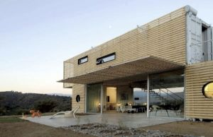 Manifesto-House-by-James-Mau-Shipping-Container-Architecture-3-600x388_mini