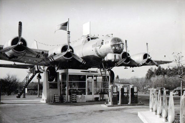 Bomber-Gas-Station-Milwaukie-Oregon