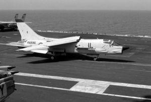 F-8EFN-Crusader