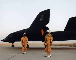 worlds-fastest-plane-lockheed-sr-71-blackbird-3