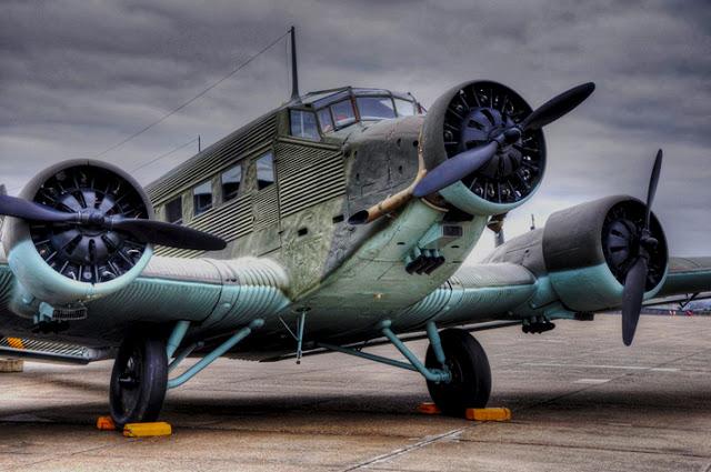 JU Junkers_Ju_52_8557170299_ca1b1b2564_b