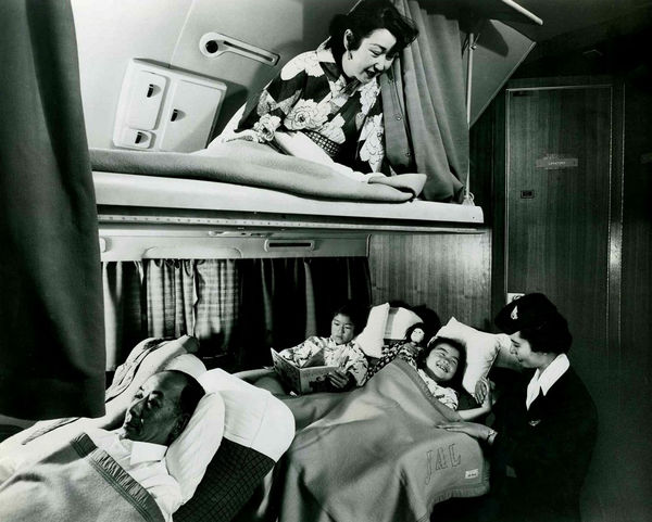 japan-airlines-first-class-cabin-305