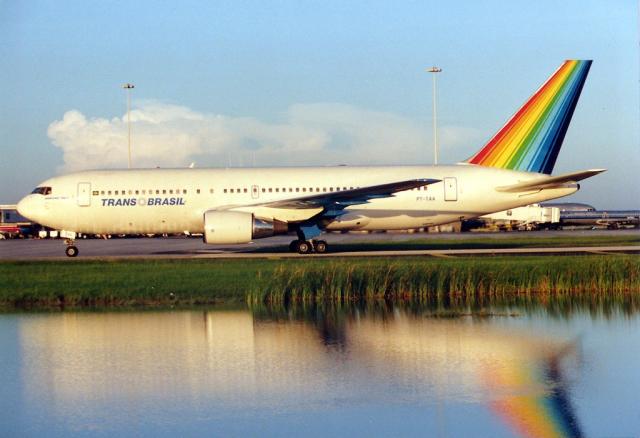 Transbrasil_Boeing_767-200_PT-TAA_MIA_1989-7-20
