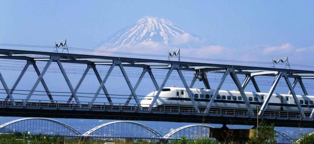 japan-bullet-train-jnto