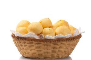 pao-de-queijo-630x420