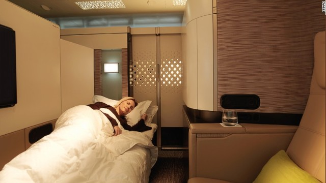171026143656-best-airline-beds-etihad-first-class-apartment-780x439